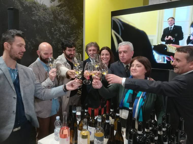 OnlY WINE VINITALY 2.JPG