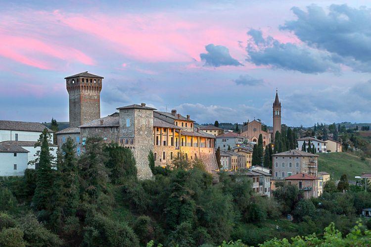Levizzano castello-1-2.jpg