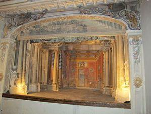 Castello_di_meleto,_interno,_teatrino_03